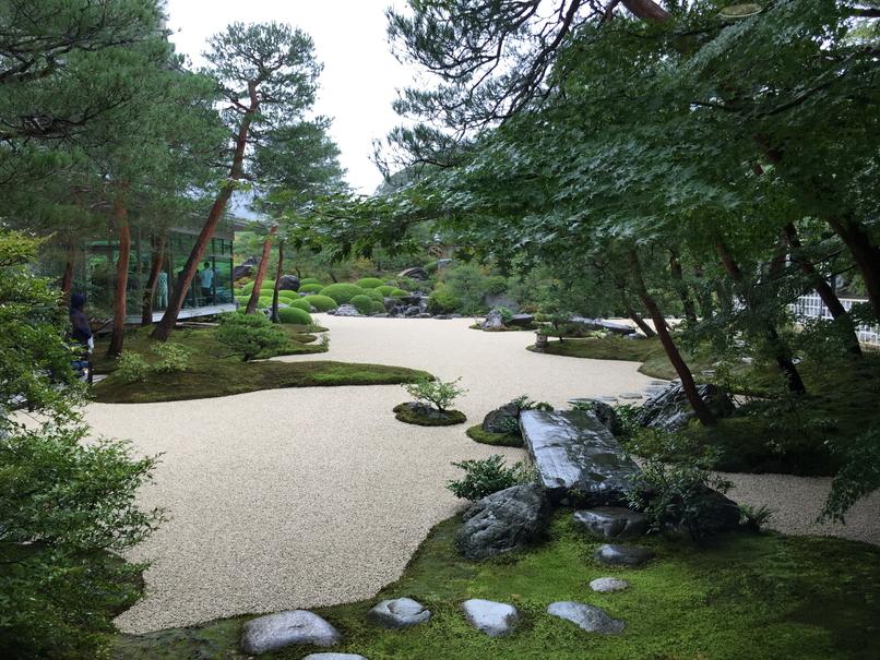 足立美術館の日本庭園2